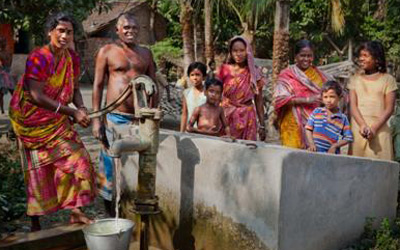Project Well utilizes Blue Planet Network's SMS reporting tool to provide status reports on water projects that use modern bore-dug wells. Credit: Rudi Dundas