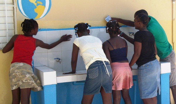 The Dominican Republic Youth Water and Hygiene Club in action. Credit: World Water Relief